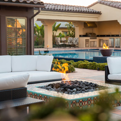 outdoor entertaining-lounge furntire-firepit-kitchen