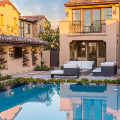 outdoor entertaining-swimming pool