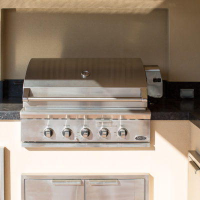 outdoor kitchen-builtin bbq