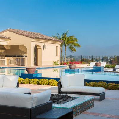 outdoor kitchen-firepit-lounge furniture-pool